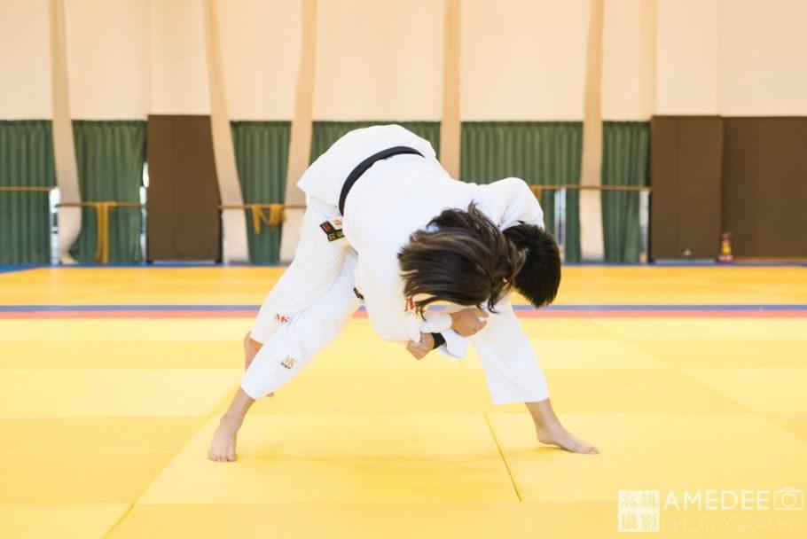 柔道選手示範動作