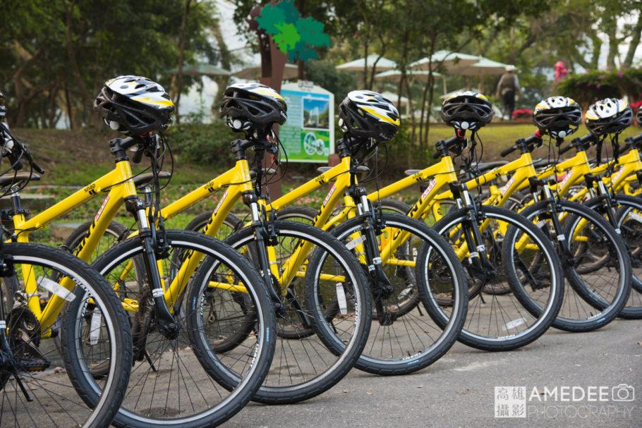 整齊排列的腳踏車