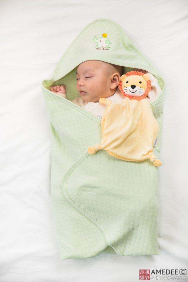 小嬰兒睡覺