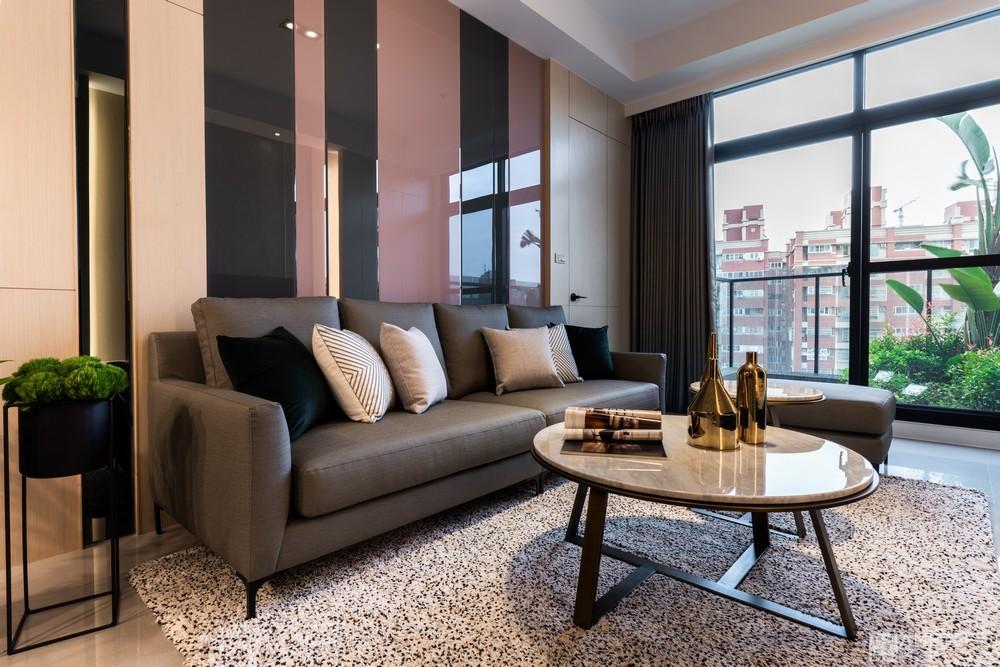 郁澄設計多城建設H&M空間攝影