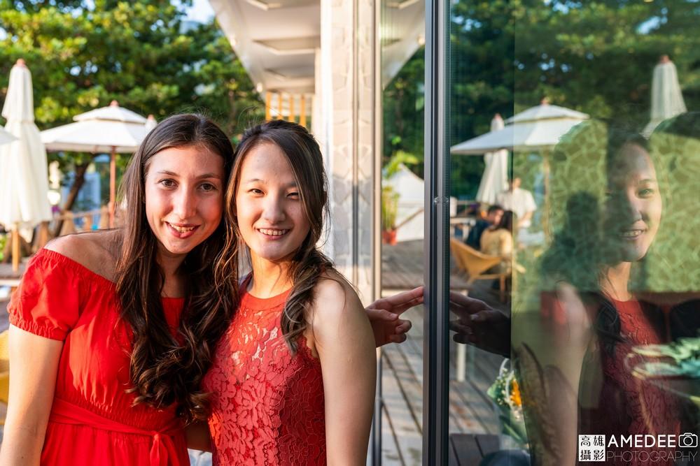 馬禮遜美國學校在西子灣沙灘會館舞會同學合照