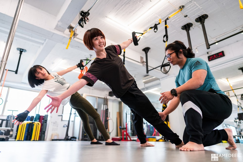 諧動空間運動形象空間健身老師情境形象照