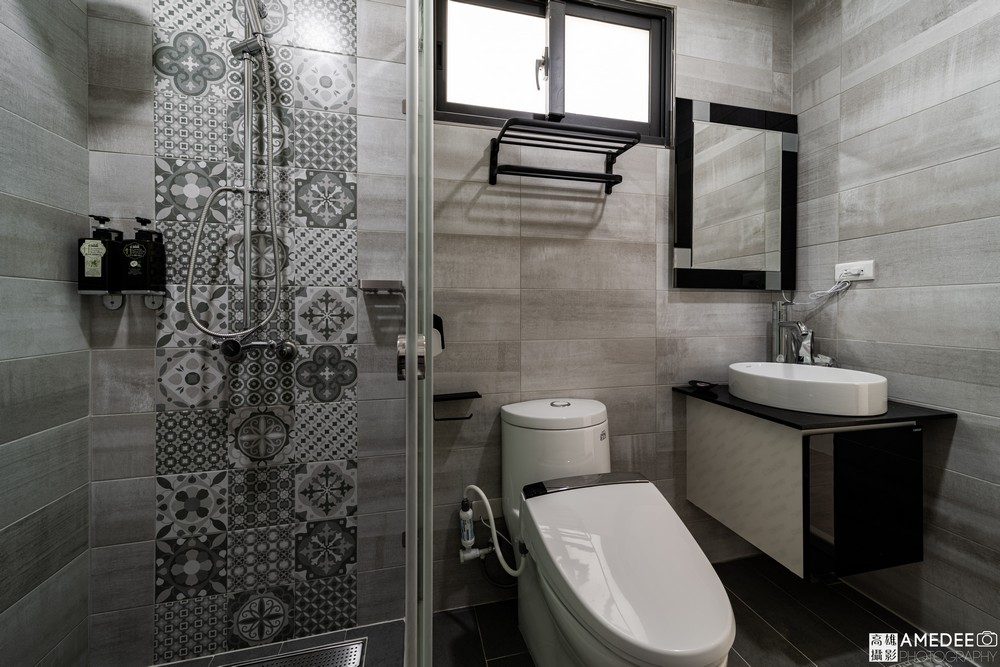 墾丁波光星海旅宿浴室廁所空間