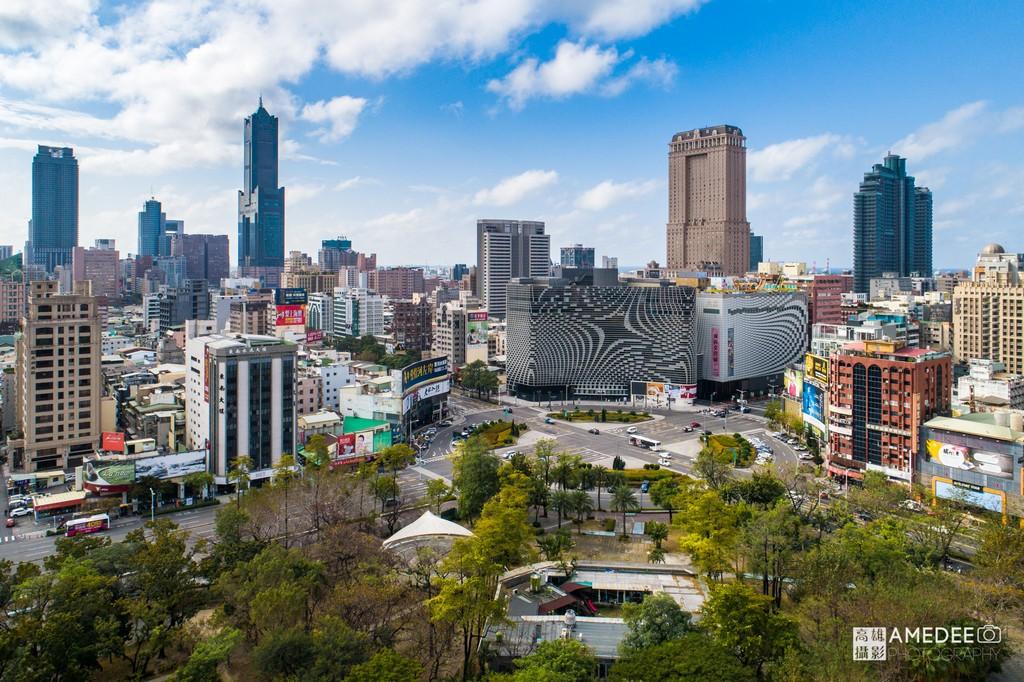 高雄大立百貨、中央公園與八五大樓環境空拍照