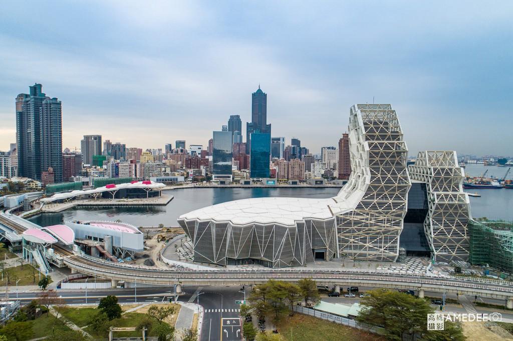 高雄流行音樂中心與八五大樓環境空拍照