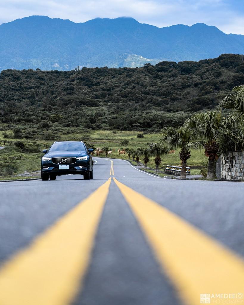 Volvo汽車XC60在墾丁情境照