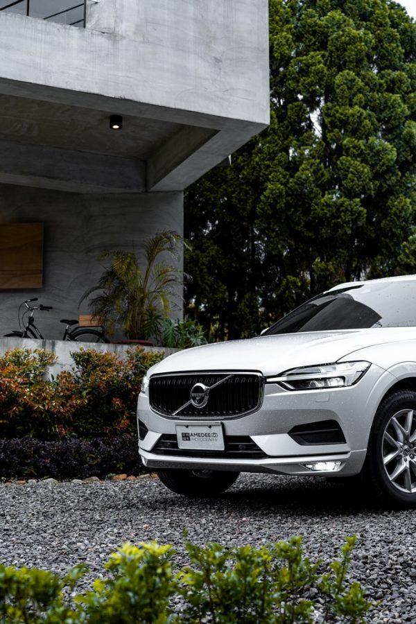 Volvo汽車XC60在南投情境照
